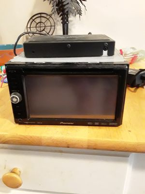 """Cds dvds ... bluetooth radio 5""""1/2""""wide..by 3""""tall for Sale in Stuart, FL"""