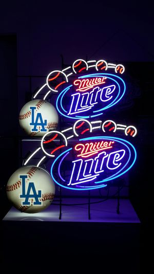 MILLER LITE / DODGERS NEON SIGN. for Sale in Los Angeles, CA