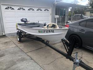 12 ft aluminum boat for Sale in Sunnyvale, CA