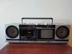 1985 Emerson boombox /TV for Sale in Fontana, CA