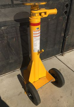 Uline trailer stabilizing jack for Sale in Corona,  CA