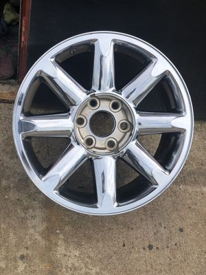GMC Used rim wheel 20 chrome factory for truck or suv 6 lug bolt pattern 5.50 inch or 139.70 mm only one wheel for Sale in Dallas, TX