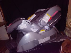 Car seat and base for Sale in Grottoes, VA