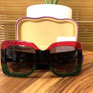Gucci Oversized Sunglasses GG0083S for Sale in Miami, FL