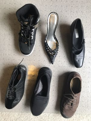 6 pairs Size 9.5 Shoes for Sale in Kent, WA