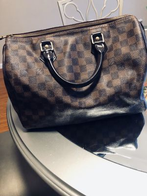 Louis Vuitton bag for Sale in Cherry Hill, NJ