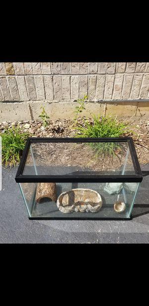 10 Gallon Glass Tank Reptile Rodent Lizard Mice Turtle for Sale in Bartlett, IL