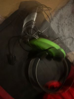 Xbox 1 turtle beach headset for Sale in Tulare, CA