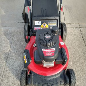 """Honda GCV160 (21"""") (fully maintenance) (ready to mow) Lawn Mower for Sale in Anaheim, CA"""