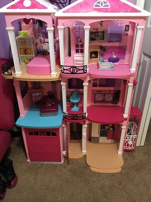 Barbie house for Sale in Adelphi, MD