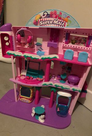 Shopkins super mall with shopkins and dolls for Sale in Dunwoody, GA