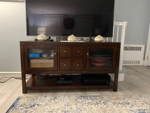 "TV Stand / Console 60"" for Sale in Penns Grove, NJ"