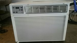 Ac/heater window unit for Sale in Tulare, CA