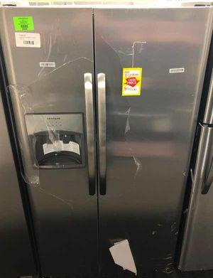 Frigidaire Side by Side Refrigerator Model: LFSS2612TF 💲💲 IGL for Sale in Saginaw, TX