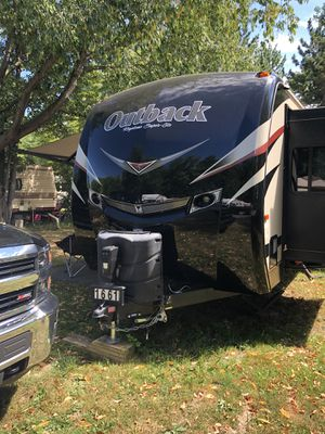 Outback camper 37 ft long-model 326RL for Sale in Clay, NY