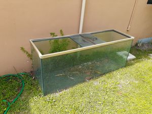Fish Tank Stand and Tank 120 Gallons for Sale in Miami, FL