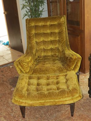 Vintage Velour Tufted Plush Chair with Ottoman for Sale in Englishtown, NJ