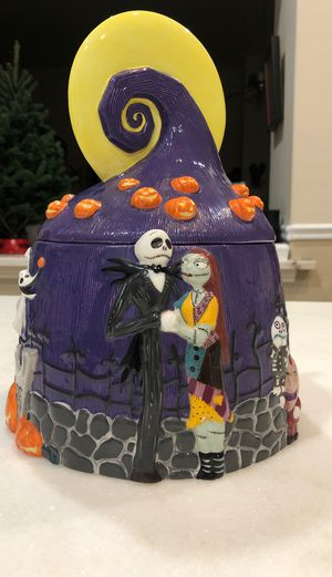 Disney Jack & Sally nightmare before Christmas cookie jar for Sale in Fresno, CA