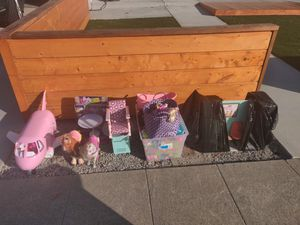 Free Barbie and American Girl Toys for Sale in Hayward, CA
