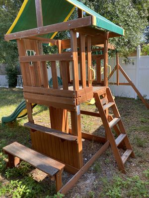 Playhouse w/swing set // Unavailable Pending for Sale in Winter Haven, FL