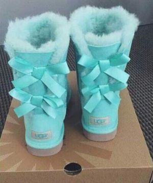 Womens winter boots for Sale in Columbus, OH