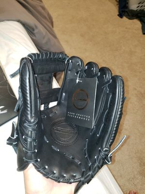 Under Armour Flawless Series 11.5inch Baseball Glove for Sale in Newport Coast, CA