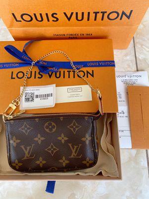 NEW AUTHENTIC Louis Vuitton Mini Pochette for Sale in Los Angeles, CA