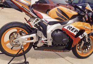 UP FOR SALE IS MY 2007 Honda CBR 1000RR Repsol edition. for Sale in Wichita, KS