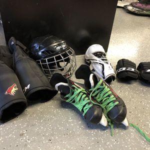 Youth Hockey Gear Set for Sale in Phoenix, AZ