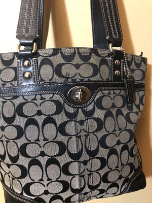 Medium-size black and gray tote Coach Bag for Sale in Capitol Heights, MD