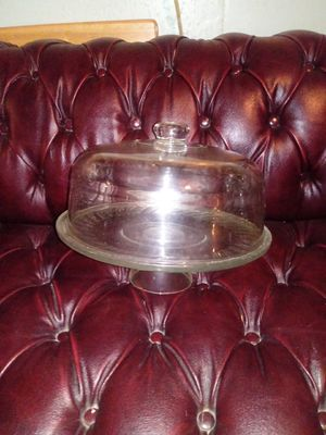 Glass Cake Stand with Dome Lid for Sale in Fort Washington, MD
