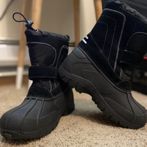 New Child Rain Or Snow Boots 🥾 for Sale in Renton, WA