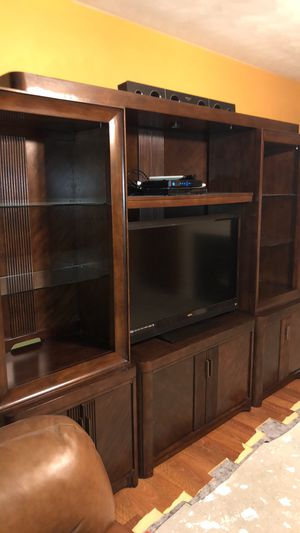 FOR SALE ENTERTAINMENT WALL UNIT for Sale in Virginia Beach, VA