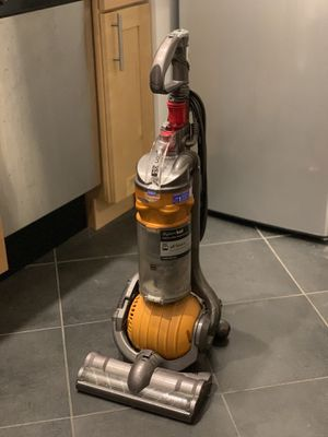 Dyson vacuum cleaner for Sale in Brooklyn, NY