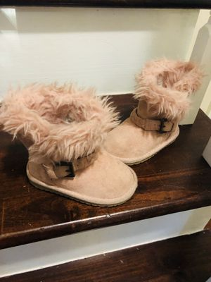 Boots baby girl size 5 for Sale in Huntersville, NC