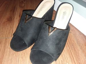 womans wide heels size 7.5 for Sale in PA, US