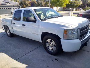08 Chevy Silverado for Sale in Fresno, CA