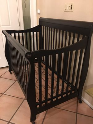 Baby crib for Sale in Scottsdale, AZ