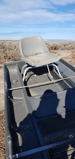 9 ft bass tracker boat for Sale in Christmas Valley,  OR