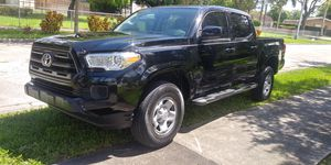 2016 Toyota Tacoma Automatic 4 Door,engine 2.7 for Sale in Hialeah, FL