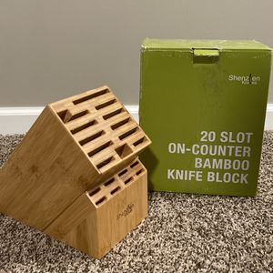 20 SLOT ON COUNTER BAMBO KNIFE BLOCK for Sale in Columbus, OH