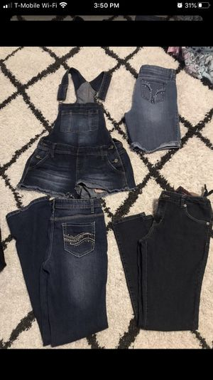 Teen Girl clothes sizes 14-18 very good condition NO HOLDS pick up only no holds final sale cash only for Sale in Stockton, CA