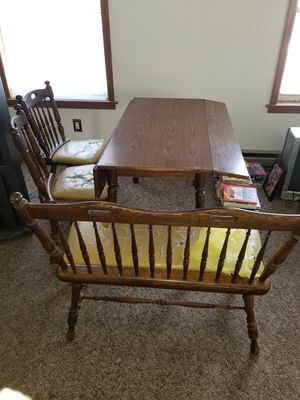 small kitchen table with chairs and bench seat for Sale in West Wyoming, PA