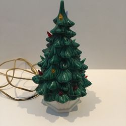 Atlantic Mold Ceramic Christmas Tree Dated 1960 for Sale in Horseshoe Beach,  FL