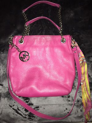Michael Kors Pink Leather Bag for Sale in Palm Beach, FL