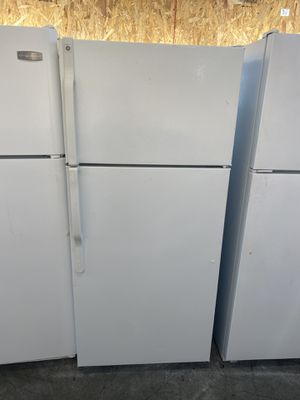 $239 GE white 17 cubic refrigerator with delivery in the San Fernando Valley for Sale in Los Angeles, CA