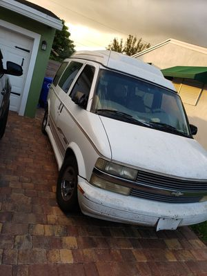 2002 chevy astro van for Sale in Hollywood, FL