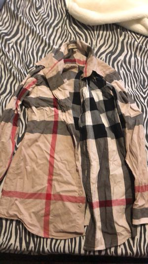 WOMENS/GIRLS BURBERRY SHIRT for Sale in St. Louis, MO