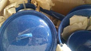 Coleman 16 pc enamel cookware camp set for Sale in Hickman, KY