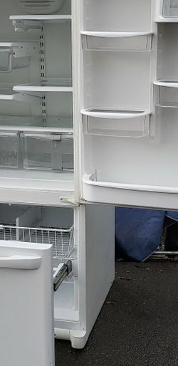 Amana Fridge! Delivery! for Sale in Happy Valley,  OR